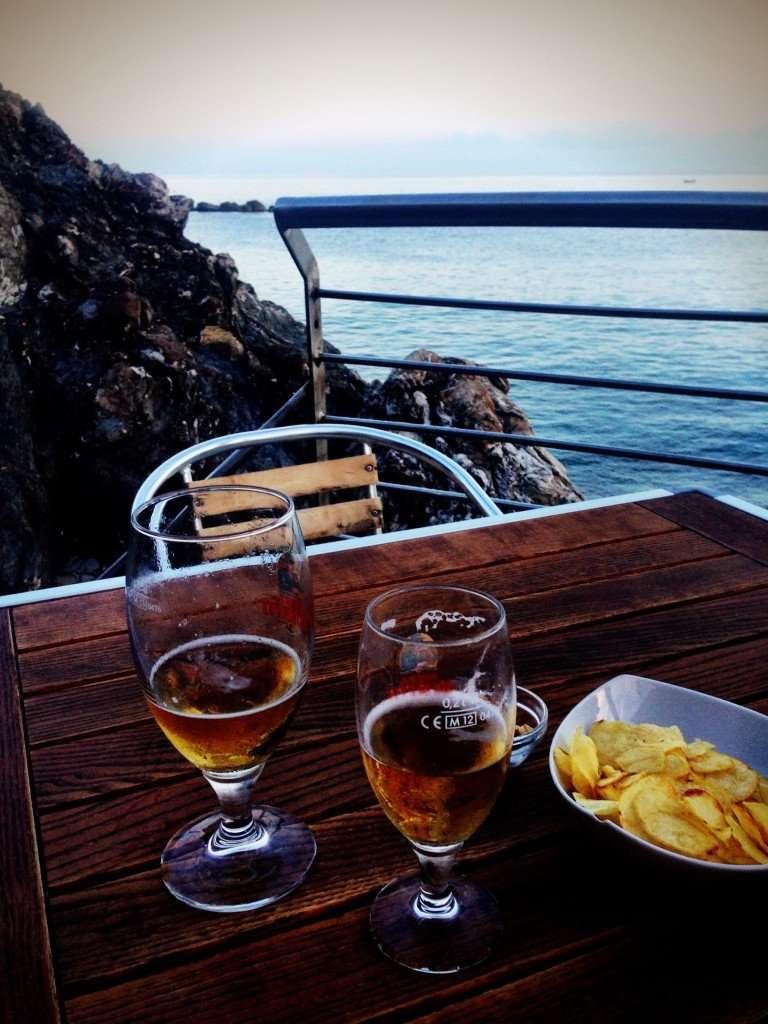 Drinks and snacks at Bar Bagni Alga