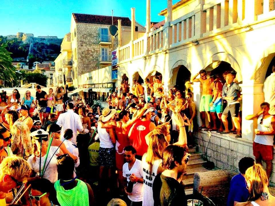 Day party Carpe Diem Bar