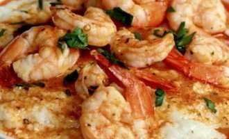Shrimp and Cauli-Grits